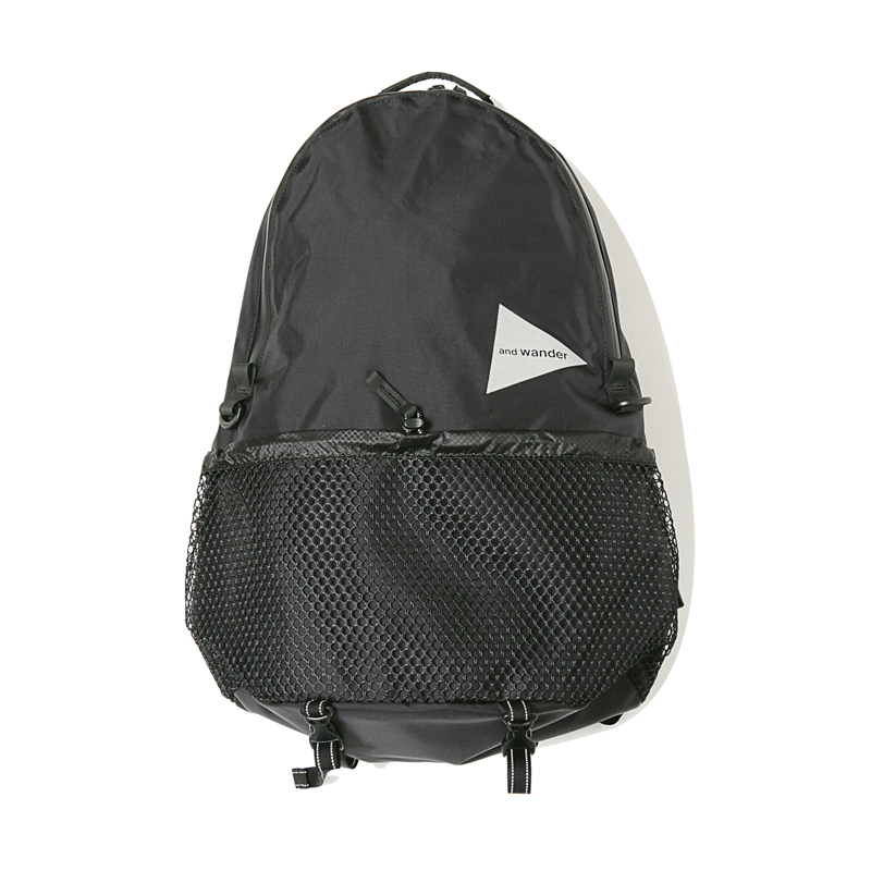 20L DAY PACK - BLACK