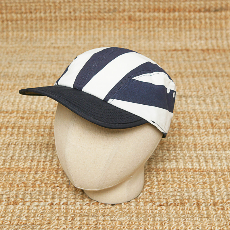 EASTLOGUE STRIPE CAP