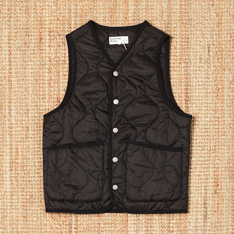 UNIVERSAL WORKS QUILTED VEST - BLACK