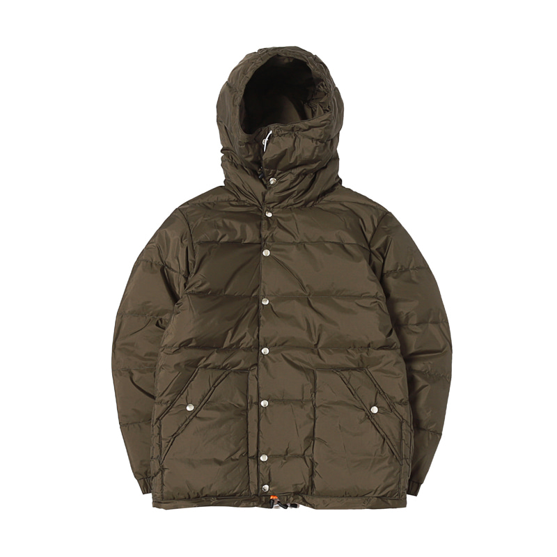 X NANGA CLASSIC PINANACLE DOWN JACKET - KHAKI