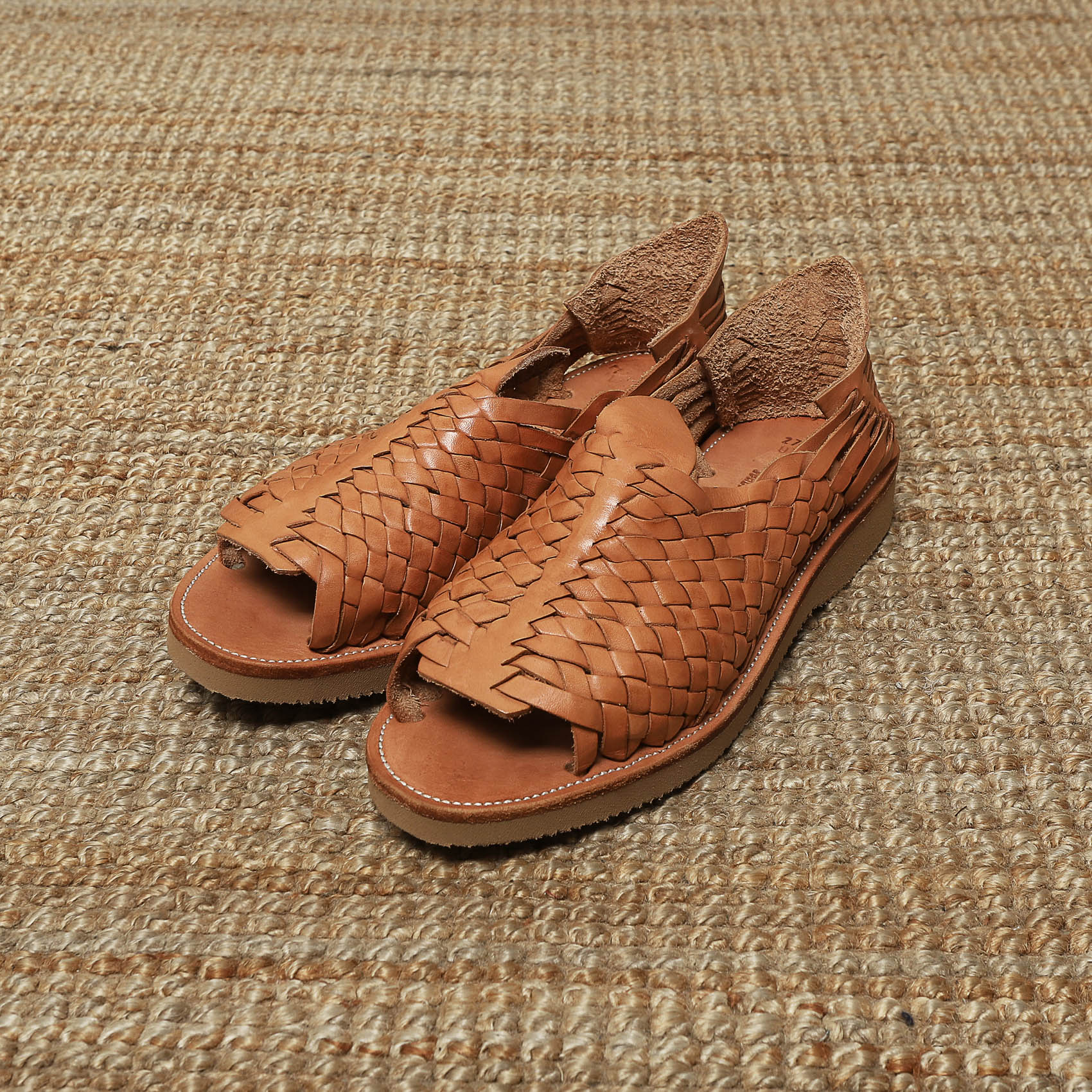 YUKETEN CRUS WOVEN LEATHER SANDALS - BROWN